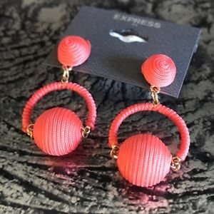 NWT Express coral & gold earrings